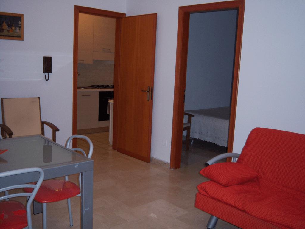 Villa a schiera ristrutturata con 4 camere da letto for Capanna con 4 camere da letto